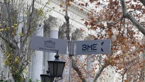 Economía/Bolsa.- El Ibex marca nuevos máximos anuales por encima de los 9.400 puntos y gana un 2,65% en la semana