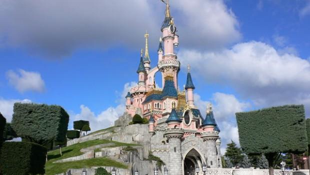 Star Wars Land to open at Disneyland in 2019