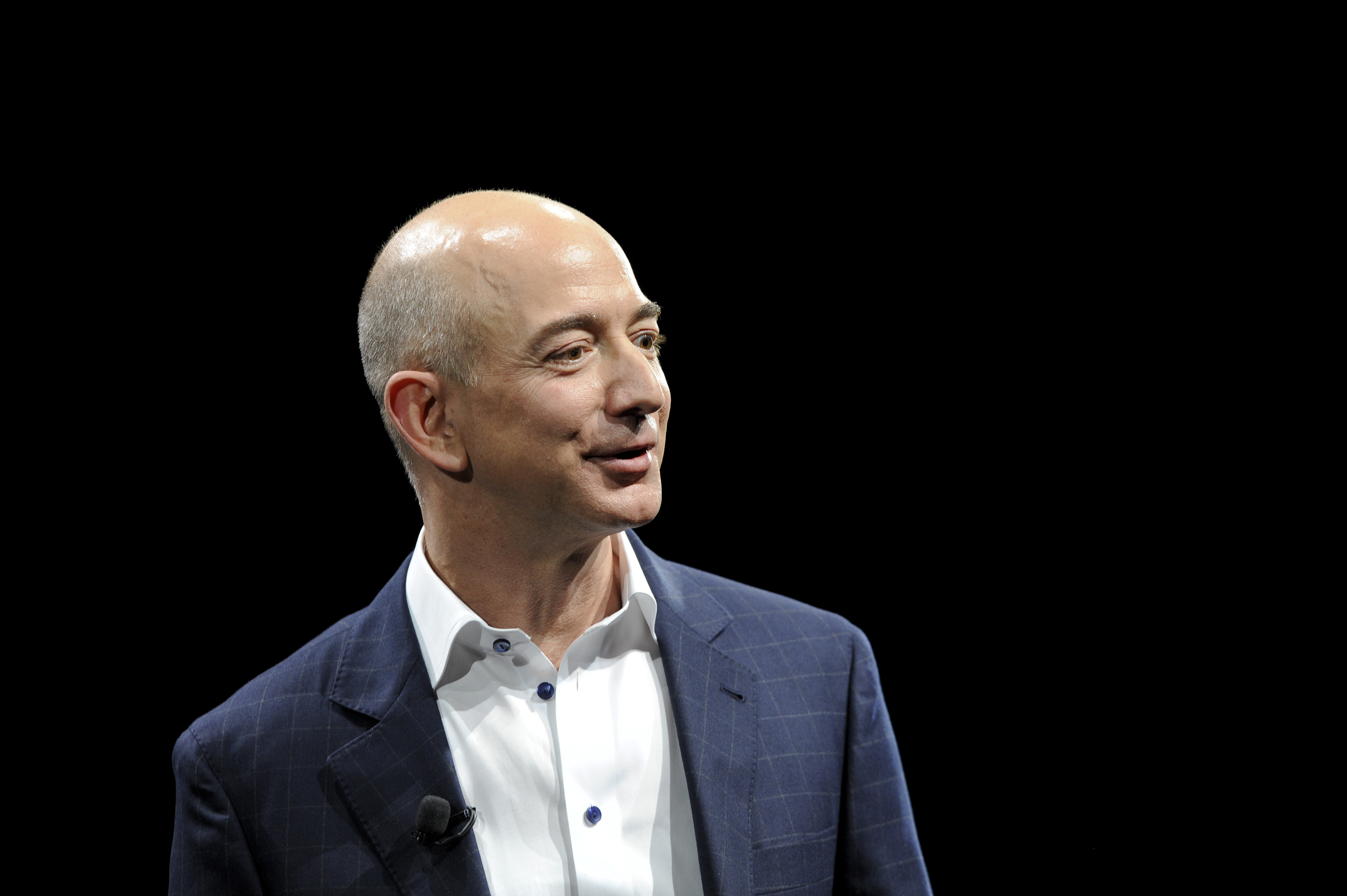jeff-bezos-amazon-e-commerce-internet