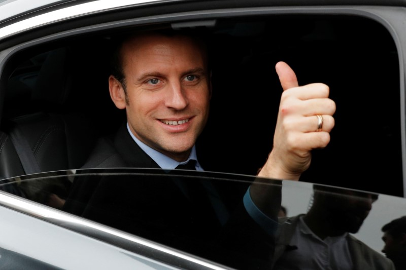 macron-devance-le-pen-dans-les-intentions-de-vote