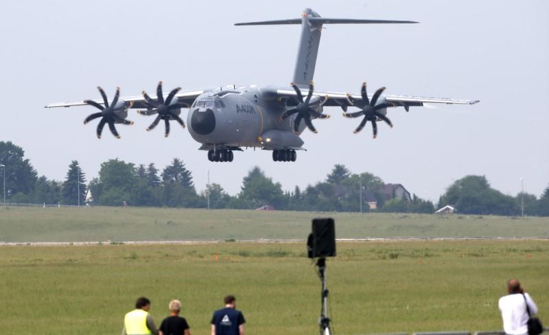 airbus-choque-apres-le-probleme-de-moteur-d-un-a400m