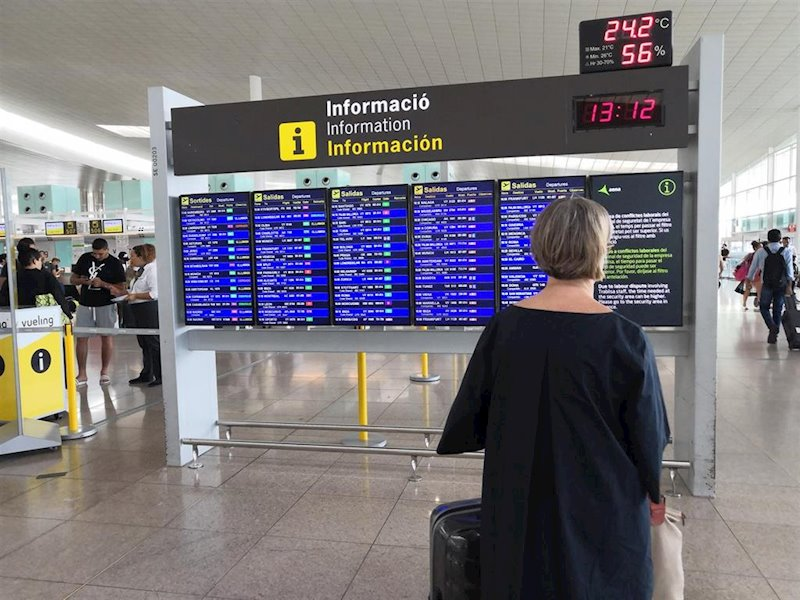 ep usuria a la t1 de laeroport de barcelona