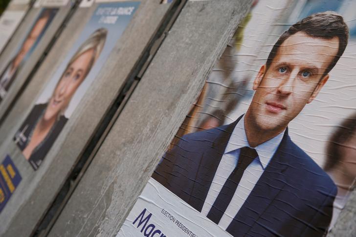 macron-et-le-pen-23-devant-fillon-19-melenchon-17-selon-un-sondage-elabe