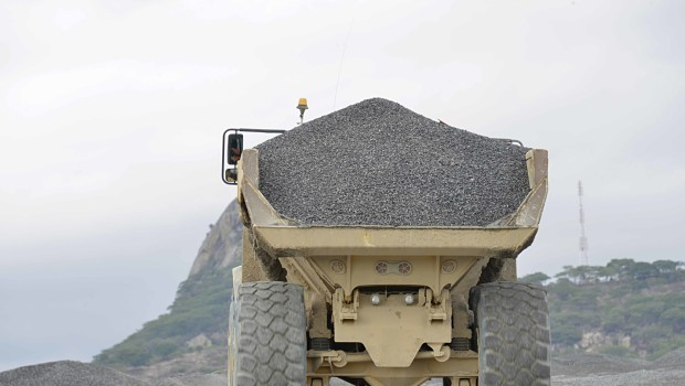 Rio Picks China-Backed Yancoal Over Glencore for Coal Sale