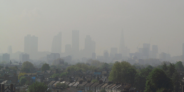 Air pollution level 5 London 30 April 2014, by David Holt