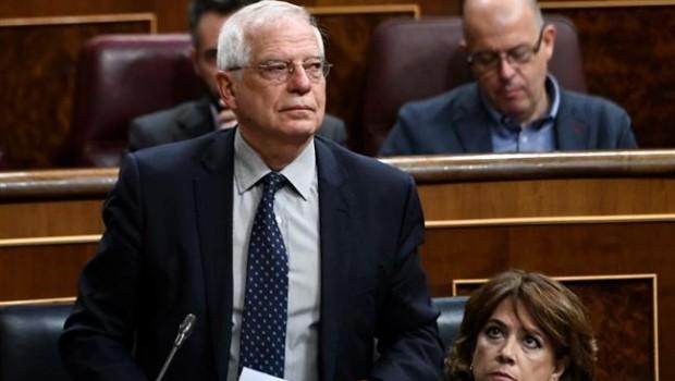 Iglesias pide la dimisión de Borrell tras ser sancionado por la CNMV