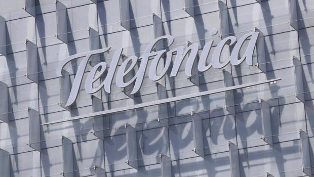 ep logo de telefonica insertado en el edificio de su sede en la ronda de la comunicacion de madrid