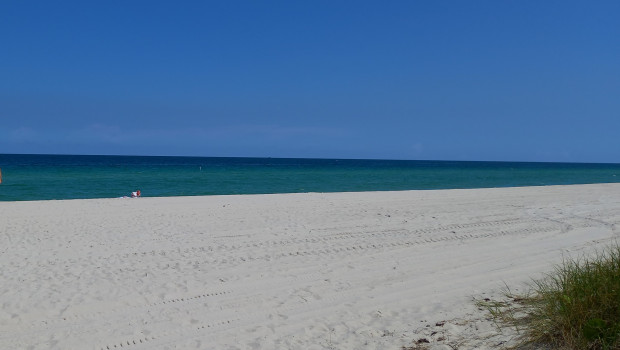 tui carnival dl beach us water ocean sea on the beach vacation
