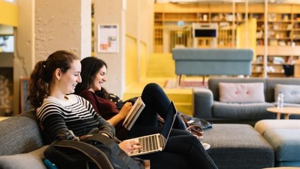 Compartir piso cuesta 331 euros al mes, un 7% más que hace un año