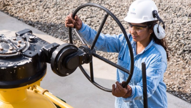 ep bid invest concede 837 millones a calidda para fortalecer la distribucion de gas natural en peru