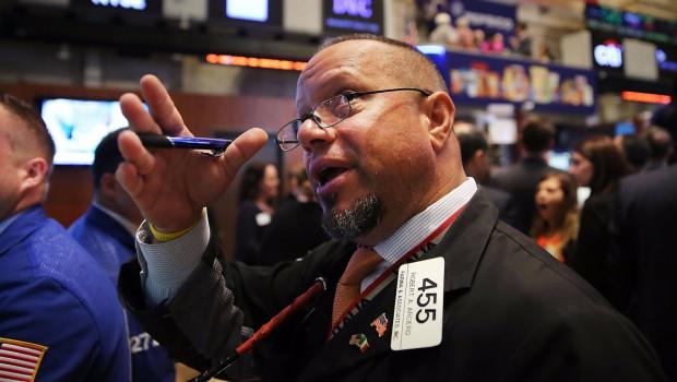 trader-preocupado-guerra-comercial
