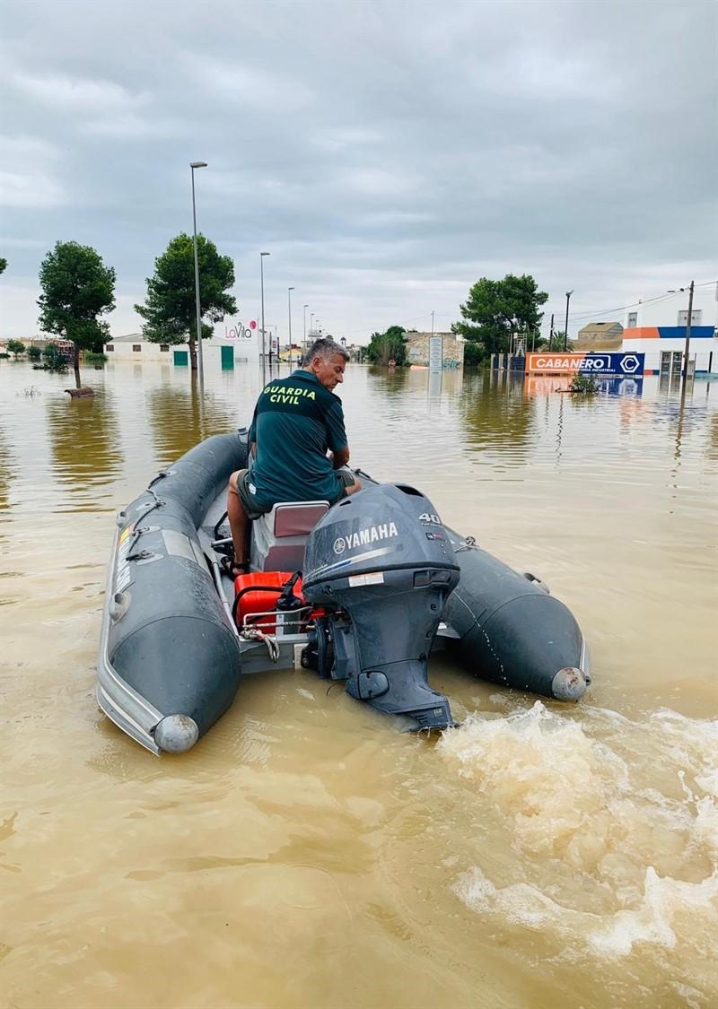 ep rescate de la guardia civil de alicante durante el temporal