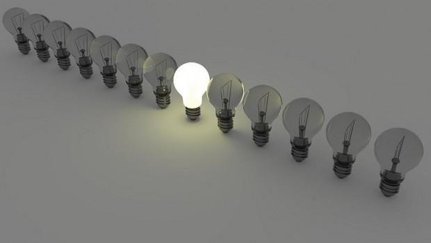 leolytics bombilla luz electricidad