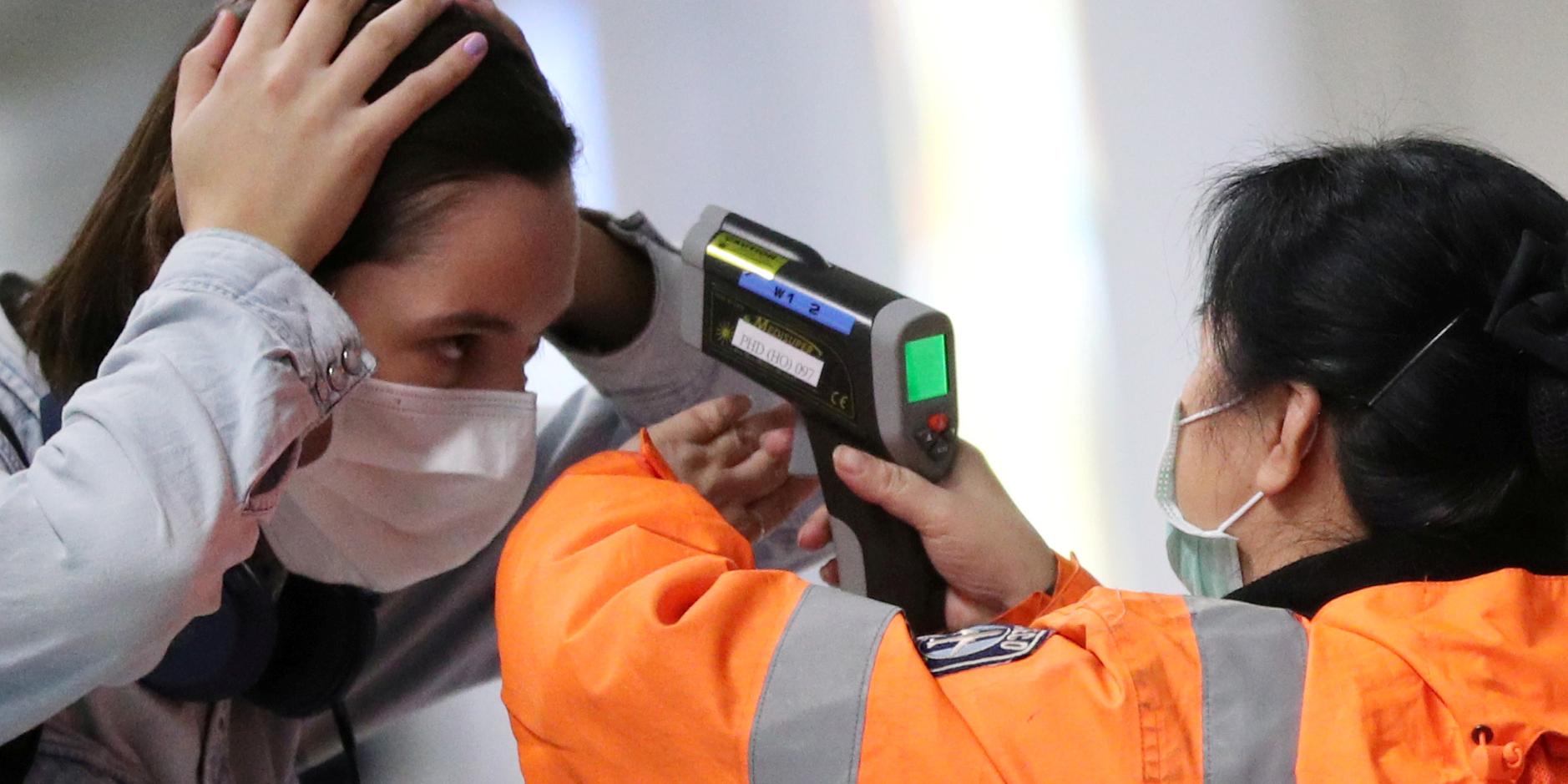 China eleva a 2.118 las muertes por el coronavirus y a 74.576 los contagiados