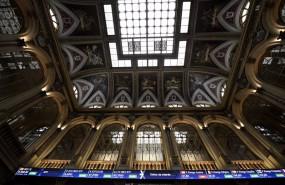 ep interior del edificio de la bolsa de madrid espana