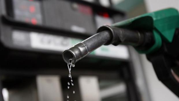 ep economia- preciola gasolinadel gasoleo subeun 18 en pleno puentemayo