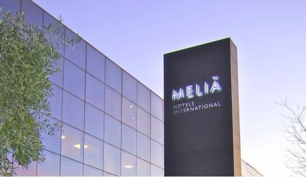 Meliá e IAG se aferran al optimismo en torno a la crisis y se disparan en bolsa