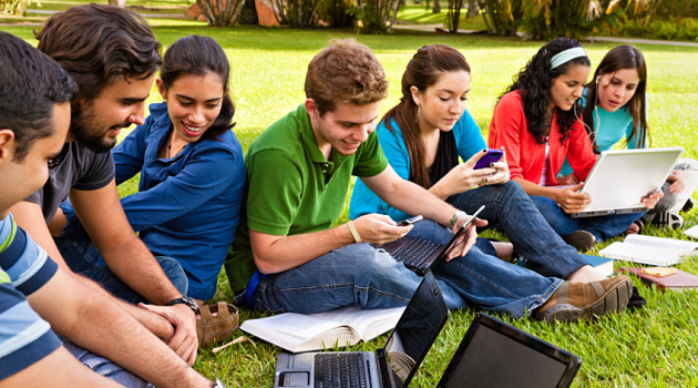 impact of cell phones on college students Should students be allowed to have in the long run when you end up in college or when students have cell phones in school they can send anything.