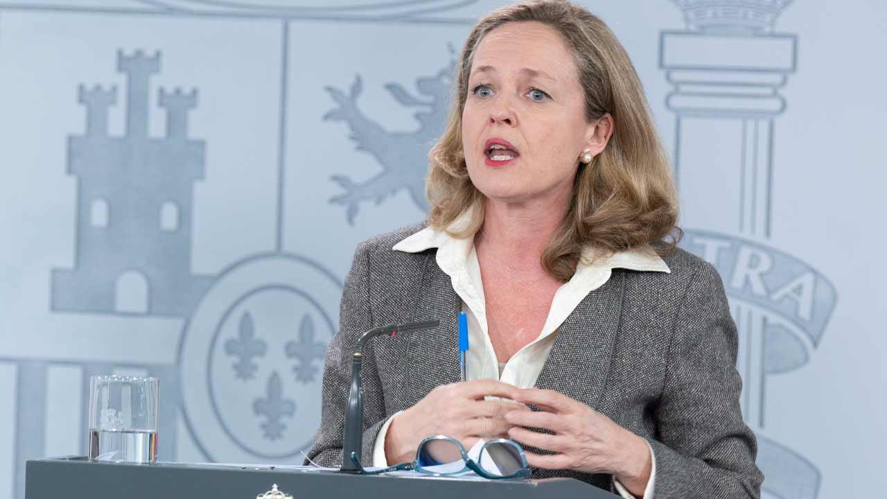 Calviño afirma que solo se han concedido avales ICO por 2.747 millones de euros