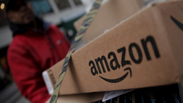 Amazon Año Retrocede Su Tercer Bolsa En Day' 'prime Por HW2IE9eDY