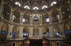 ep interior del palacio de la bolsa a 9 de julio de 2021 en madrid espana el indice ibex 35 de la