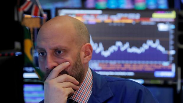 trader-preocupado-ultimas-caidas-wall-street
