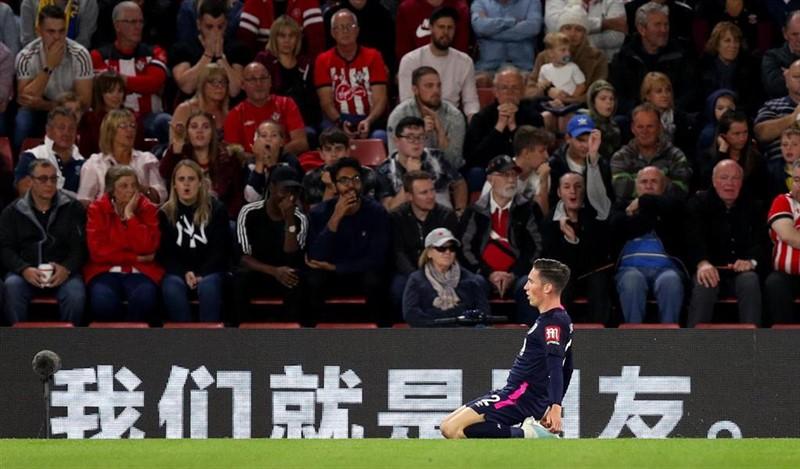 ep harry wilson celebra un gol con el bournemouth