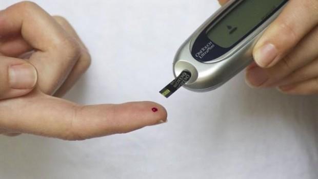 ep una personadiabetes controlanivelazucarsangre