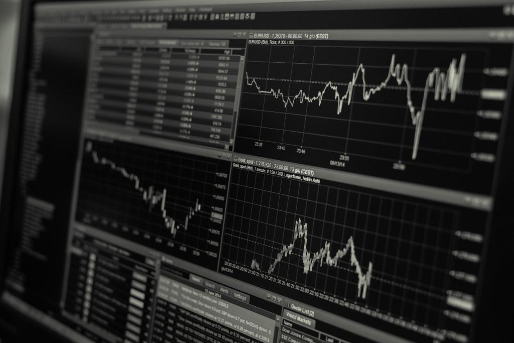 Consultorio de análisis técnico: Santander, BBVA, Grifols, Soltec, Almirall, Ezentis, CaixaBank y Audax Renovables