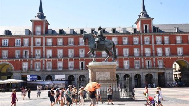 Madrid declarar ilegales miles de pisos tur sticos en la for Pisos turisticos madrid