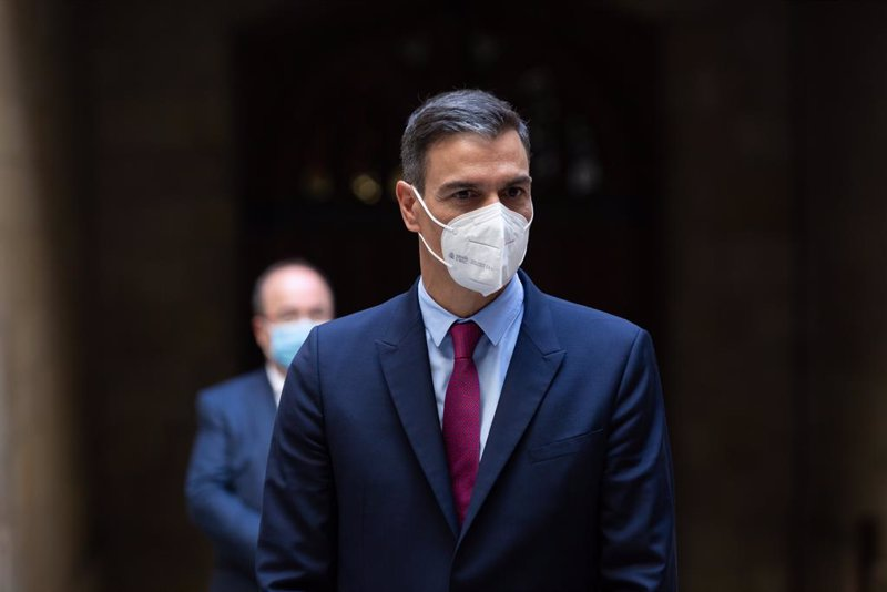 https://img1.s3wfg.com/web/img/images_uploaded/a/9/ep_el_presidente_del_gobierno_pedro_sanchez_a_su_salida_de_la_reunion_con_el_president_de_la.jpg