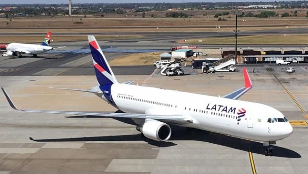 Economía/Empresas.- LATAM prolonga las cancelaciones de sus vuelos por la huelga de sus trabajadores en Chile