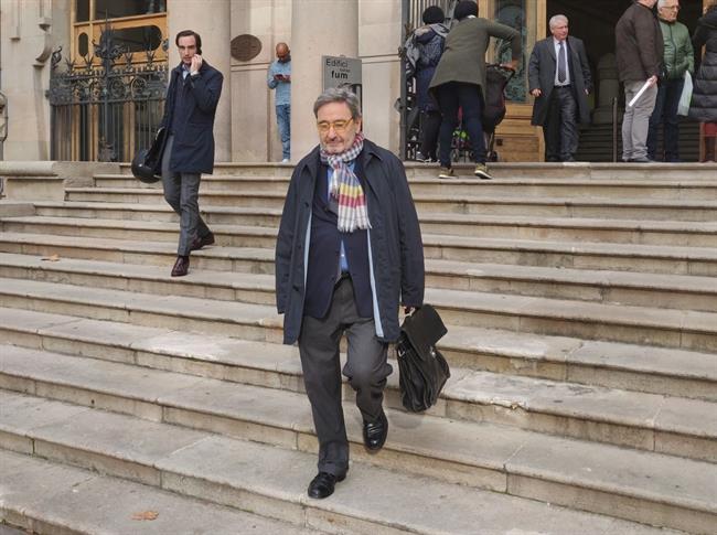 La Audiencia de Barcelona absuelve a Serra por los sobresueldos en CatalunyaCaixa