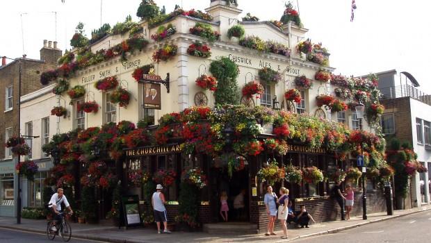 Fuller, Smith & Turner, Fullers, pubs, brewing, beer, drink