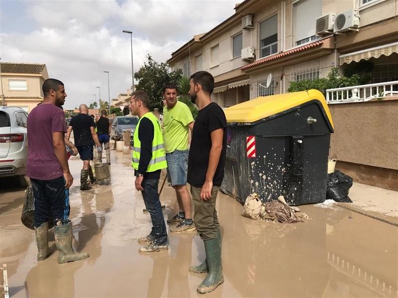 ep 20190915 mas de 300 voluntarios ayudan a los afectados por las inundaciones