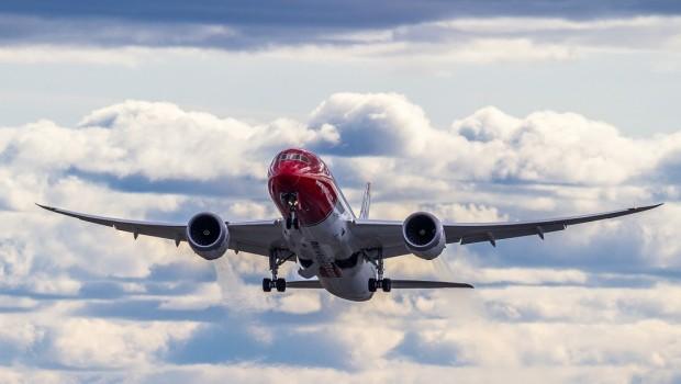 norwegian air shuttle dreamliner 787