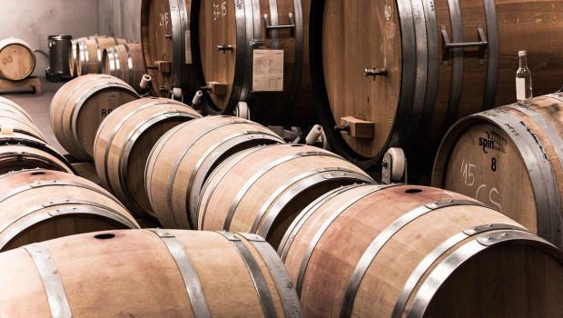 1589382325 wine 12373401280