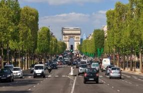 2002706_pollution-les-vieilles-voitures-ne-seront-pas-verbalisees-immediatement-a-paris-web-021982595973-700x373