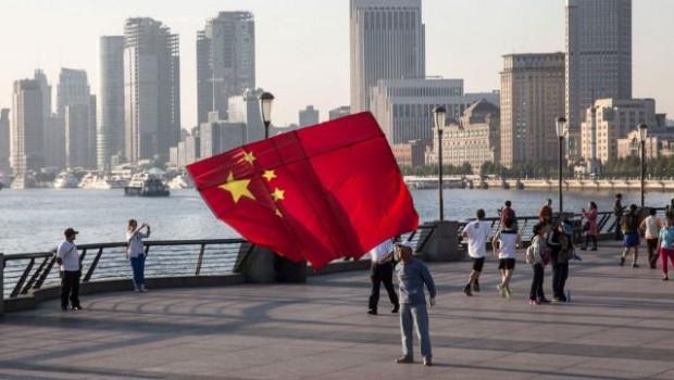 Las mineras chinas buscan nueva casa en Suiza y Quebec ante el 'apagón' de Pekín